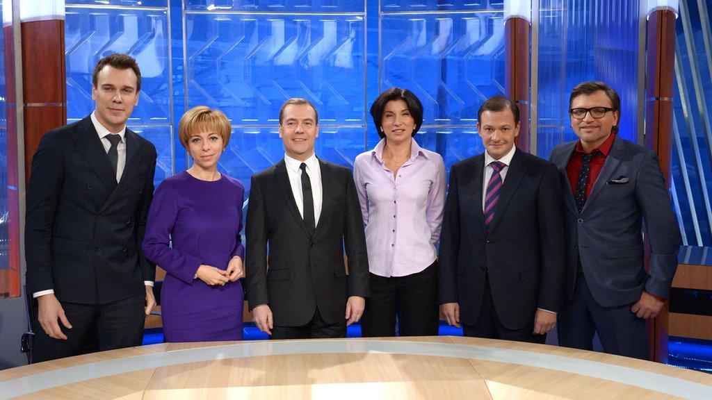 Entrevista del Presidente del Gobierno de Rusia Dmitry Medvedev a los 5 canales de television rusa - Noticias de Rusia - Embajad