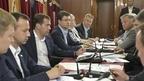 Дмитрий Медведев, находящийся с рабочей поездкой по Сибирскому федеральному округу, провёл в поезде по пути из Омска в Томск совещание по вопросу долгосрочной тарифной политики на железнодорожном транспорте