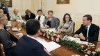 В канун 8 марта Дмитрий Медведев встретился с работниками социальной сферы, педагогами и воспитателями