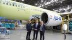 Первый заместитель председателя коллегии Военно-промышленной комиссии Андрей Ельчанинов ознакомился с ходом строительства первых серийных моделей гражданских самолётов МС-21
