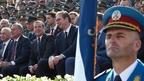 Дмитрий Медведев и Президент Сербии Александр Вучич присутствовали на военном параде в Белграде