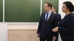Дмитрий Медведев посетил строящуюся школу в Оренбурге