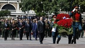 Церемония возложения венка к Могиле Неизвестного Солдата