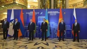 Совместное фотографирование глав делегаций - участников заседания Евразийского межправительственного совета
