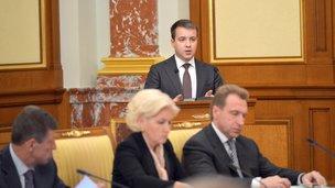 O relatório do chefe do Ministério das Comunicações, Nikolai Nikiforov na reunião do Governo