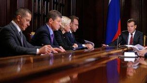 С заместителями Председателя Правительства Юрием Трутневым, Дмитрием Козаком, Ольгой Голодец и Игорем Шуваловым