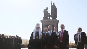 Дмитрий Медведев принял участие в праздничных мероприятиях, посвящённых 700-летию преподобного Сергия Радонежского OenR395SVbM