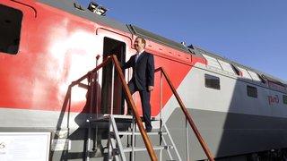 Посещение эксплуатационного локомотивного депо, ознакомиление с работой «медицинского поезда»
