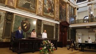 На церемонии присуждения Дмитрию Медведеву степени Почётного доктора политических наук Гаванского университета