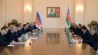 Встреча с Президентом Азербайджана Ильхамом Алиевым в расширенном составе