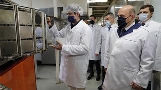 Михаил Мишустин ознакомился с производством АО «Протон». С губернатором Орловской области Андреем Клычковым