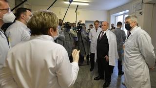 Посещение больницы скорой медицинской помощи. Беседа с медицинским персоналом