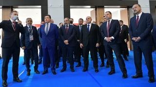 Михаил Мишустин и главы делегаций посетили выставку экономического и промышленного потенциала Республики Татарстан