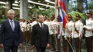 Церемония официальной встречи Дмитрия Медведева Председателем Государственного совета и Совета министров Республики Куба Мигелем Диас-Канелем Бермудесом