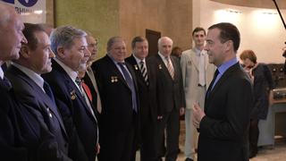 С лауреатами премии Правительства  в области науки и техники за 2015 год