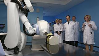 Посещение Центра ядерной медицины в Уфе. Осмотр отделения радиотерапии «Кибер-нож»