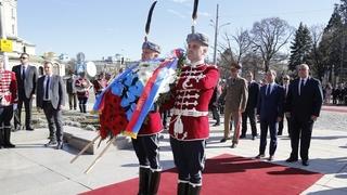 Возложение венка к памятнику Неизвестному Солдату в Софии