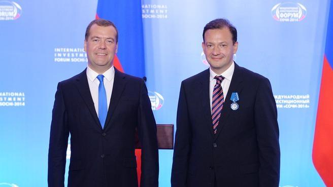 С заместителем директора филиала ВГТРК ГТК «Россия» Сергеем Брилёвым, награждённым орденом Почёта