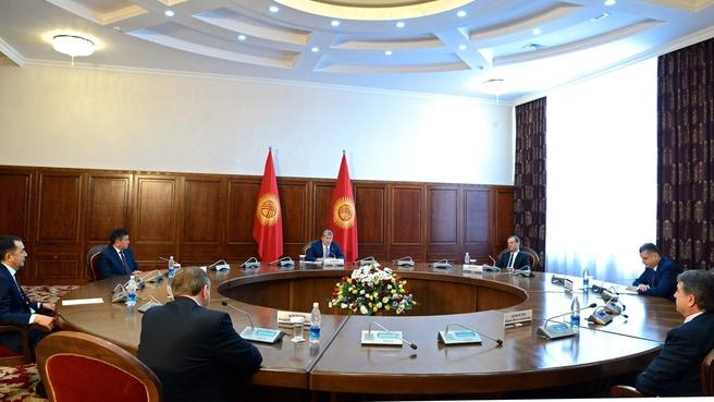 Встреча глав делегаций государств - членов Евразийского межправительственного совета с президентом Киргизии Алмазбеком Атамбаевым