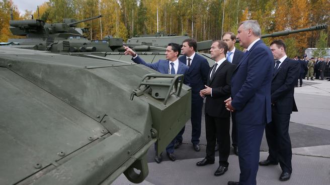 С Дмитрием Рогозиным на Х Международной выставке вооружения в Нижнем Тагиле