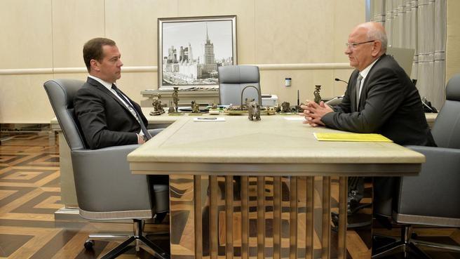 Рабочая встреча с временно исполняющим обязанности губернатора Оренбургской области Юрием Бергом