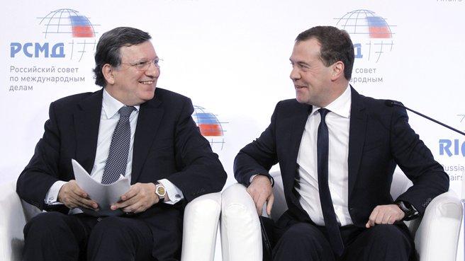 Дмитрий Медведев и Жозе Мануэл Баррозу на международной конференции «Россия – Европейский союз: возможности партнёрства»
