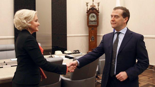 Заместитель Председателя Правительства Ольга Голодец и Председатель Правительства Дмитрий Медведев