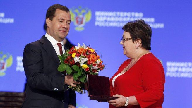 С врачом городской клинической больницы скорой помощи Волгограда Натальей Абрамовой на церемонии вручения государственных наград Российской Федерации
