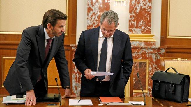 Министр Михаил Абызов и глава Минобороны Сергей Шойгу