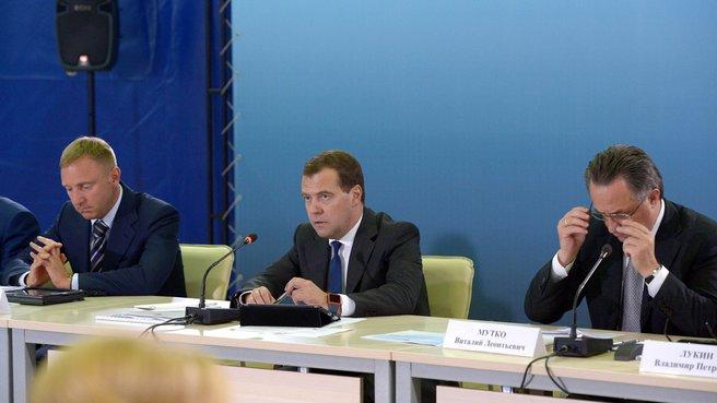 С главой Минобрнауки Дмитрием Ливановым и главой Минспорта Виталием Мутко