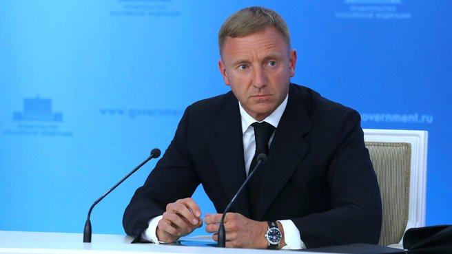 По завершении заседания Правительства перед журналистами выступил Министр образования и науки Дмитрий Ливанов