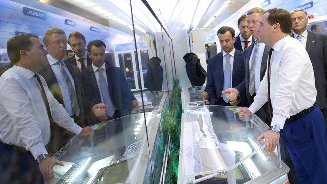 Осмотр вагона «Нанотехнологии ОАО Роснано»