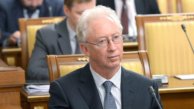 Член Экспертного совета при Правительстве, председатель совета директоров ОАО «МДМ Банк» Олег Вьюгин