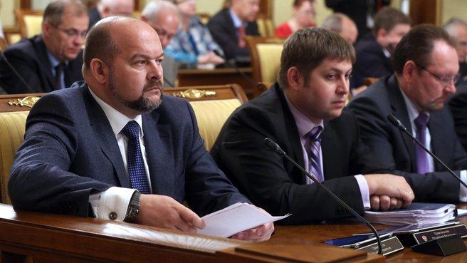 Губернатор Архангельской области Игорь Орлов (слева)