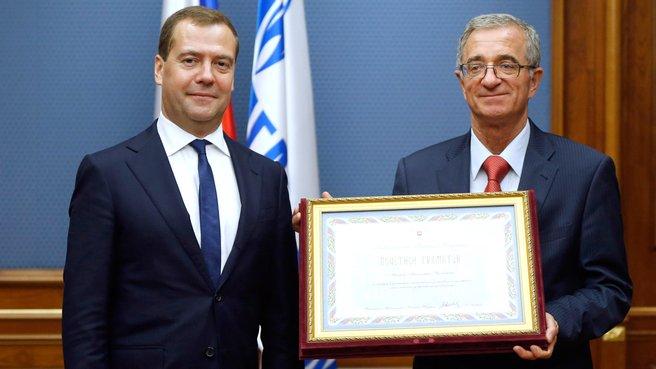 С генеральным директором ООО «Газпром нефть шельф» Александром Манделем