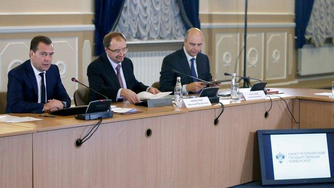 С ректором Санкт-Петербургского государственного университета Николаем Кропачевым и главой Минфина Антоном Силуановым