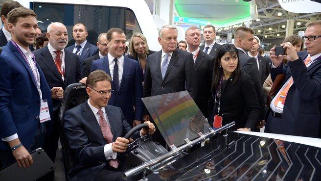 Осмотр экспозиций выставки Open Innovations Expo 2013