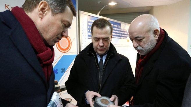 С генеральным директором ОАО «Российские сети» Олегом Бударгиным и президентом фонда «Сколково» Виктором Вексельбергом