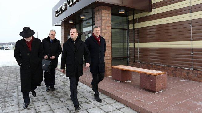 Посещение подземной подстанции «Союз» инновационного центра «Сколково». Слева - президент фонда «Сколково» Виктор Вексельберг