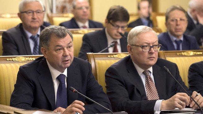 Губернатор Калужской области Анатолий Артамонов и заместитель главы МИДа Сергей Рябков