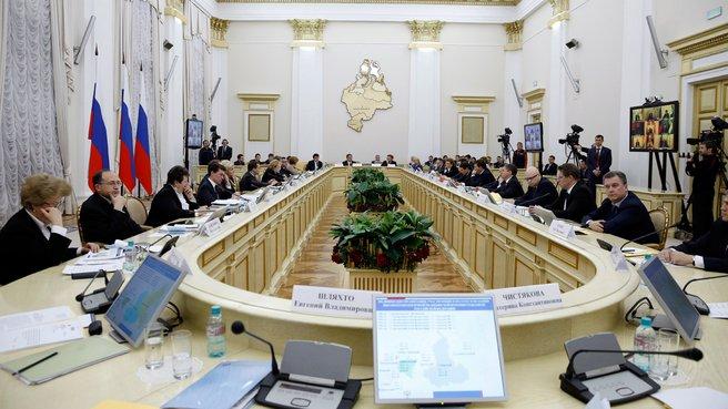 Заседание президиума Совета при Президенте России по реализации приоритетных национальных проектов и демографической политике