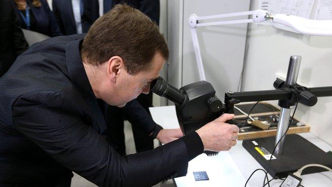 Посещение лаборатории «Сверхпроводящие метаматериалы»