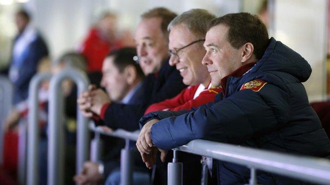 Посещение хоккейного матча между сборными России и США