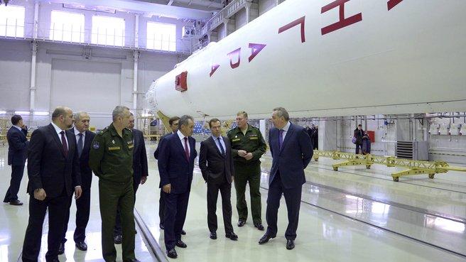 Осмотр монтажно-испытательного корпуса космического ракетного комплекса «Ангара»