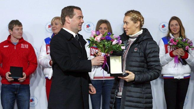 С серебряным призёром XXII Олимпийских игр в биатлоне Ольгой Зайцевой