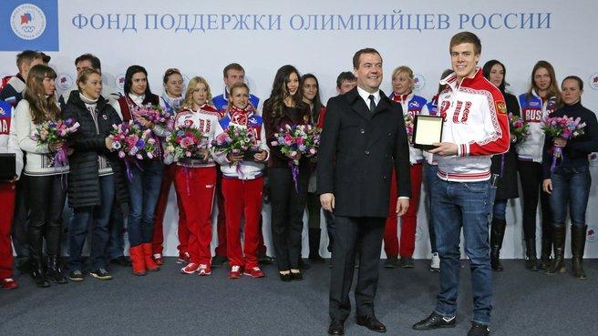 С олимпийским чемпионом и бронзовым призёром XXII Олимпийских игр в фигурном катании Никитой Кацалаповым