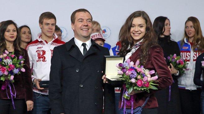 С олимпийской чемпионкой в фигурном катании Аделиной Сотниковой