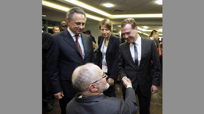 С главой Минспорта Виталием Мутко и президентом Международного паралимпийского комитета сэром Филипом Крейвеном. 7 марта