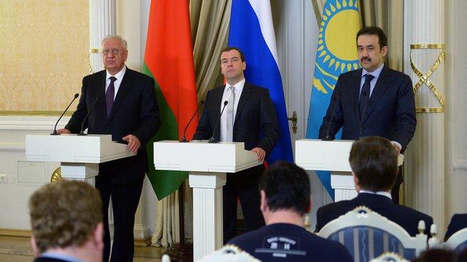 Совместная пресс-конференция с Премьер-министром Республики Беларусь Михаилом Мясниковичем и Премьер-министром Казахстана Каримом Масимовым