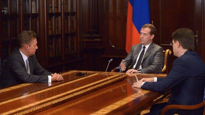 С главой ОАО «Газпром» Алексеем Миллером и главой Минэнерго Александром Новаком